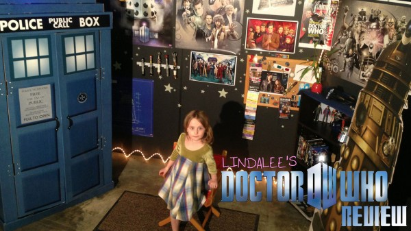 Lindalee Rose on the set of her new Doctor Who Review Web-Series