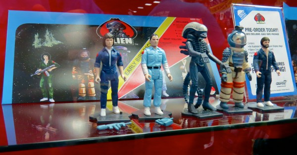 ALIEN figures with EBC at Comic-Con 2013