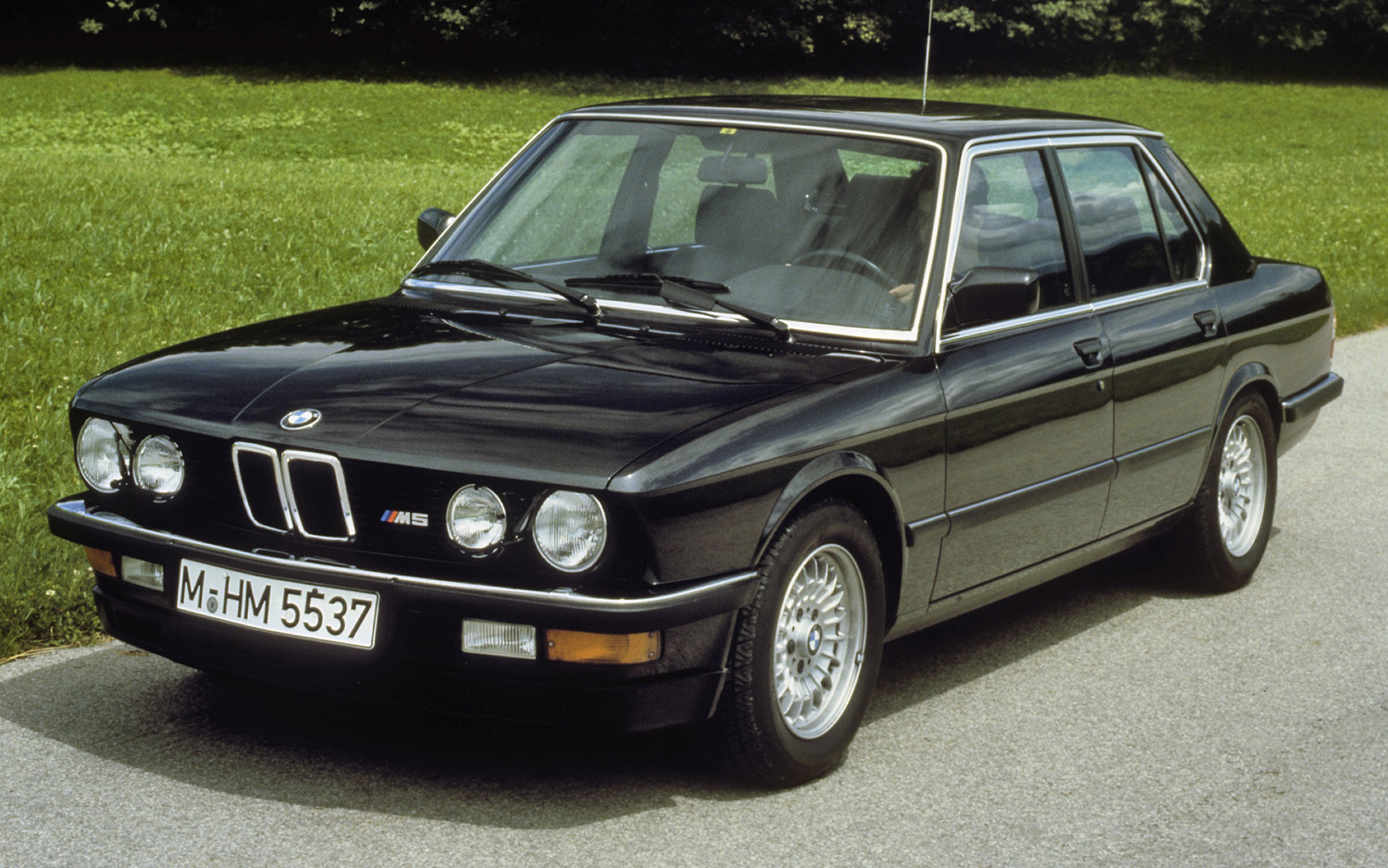 BMW ME BEYOND THE MARQUEE - 1988 bmw m5