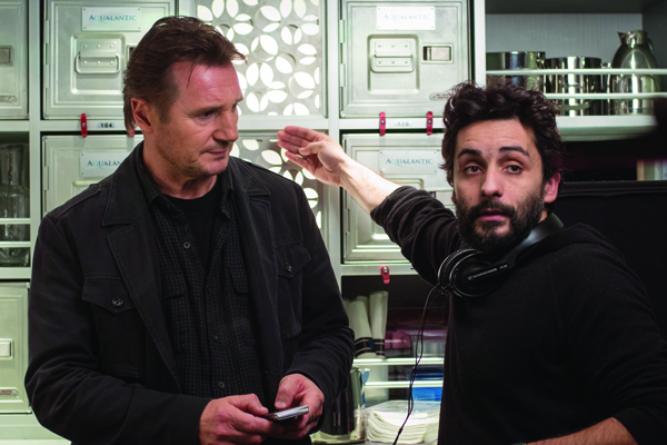 Jaume Collet-Serra directs a scene in NON-STOP