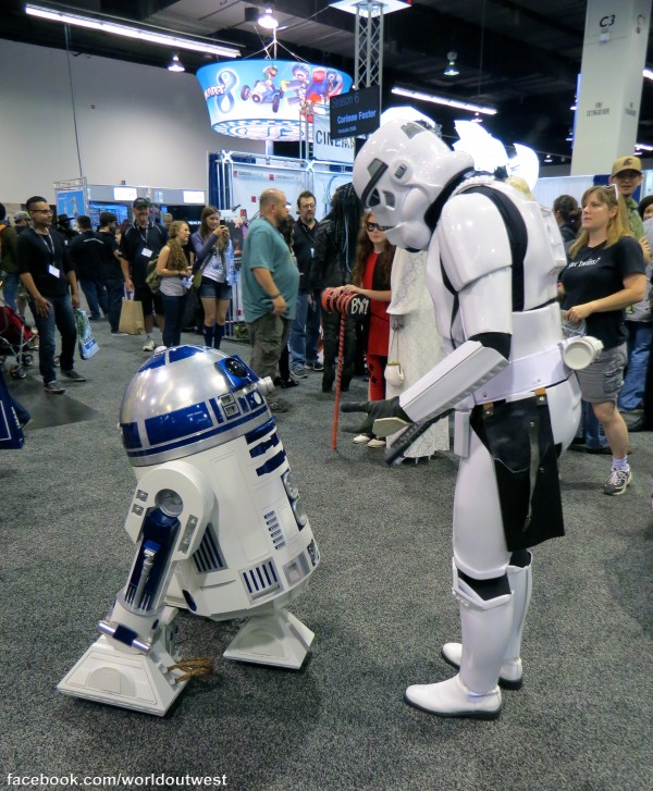 WonderCon 2014 - Stormtrooper and R2-D2 copy