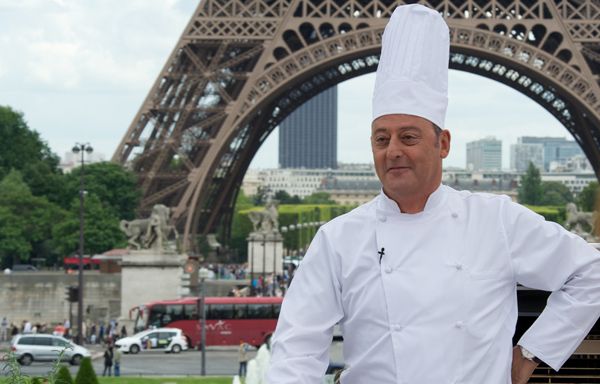 Jean Reno plays Chef Alexandre Lagarde in Le Chef