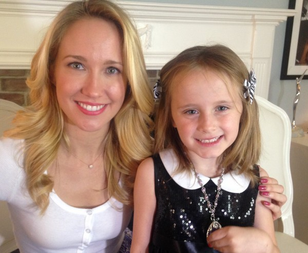 Anna Camp and Lindalee Rose