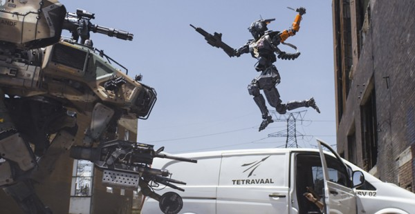 Chappie fights out the Super Robot