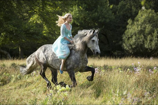 Ella (Lilly James) rides her horse