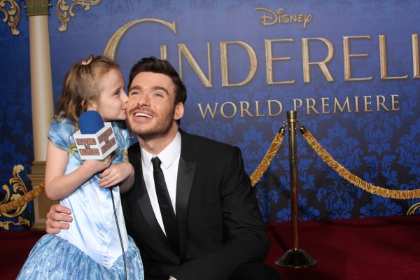 Lindalee sneaks a kiss to Richard Madden