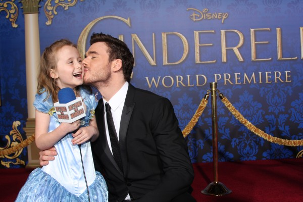 Richard Madden returns a kiss to Lindalee