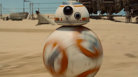 BB-8 rolla along the desert planet of Jakku in the Force Awakens