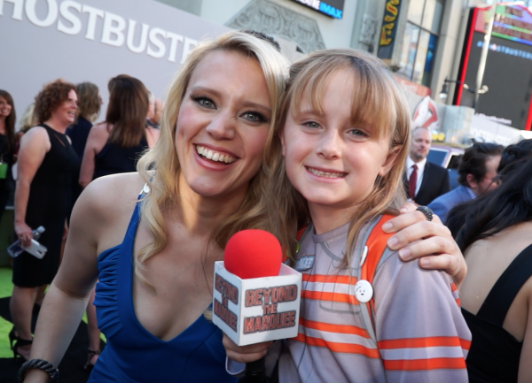 LIndalee Rose and kate McKinnon on the Red Carpet for GHOSTBUSTERS